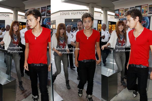 Bella et Garrett après le concert de Nick Jonas le 30 juin 2011. Collaboration avec BellaZendayaSource