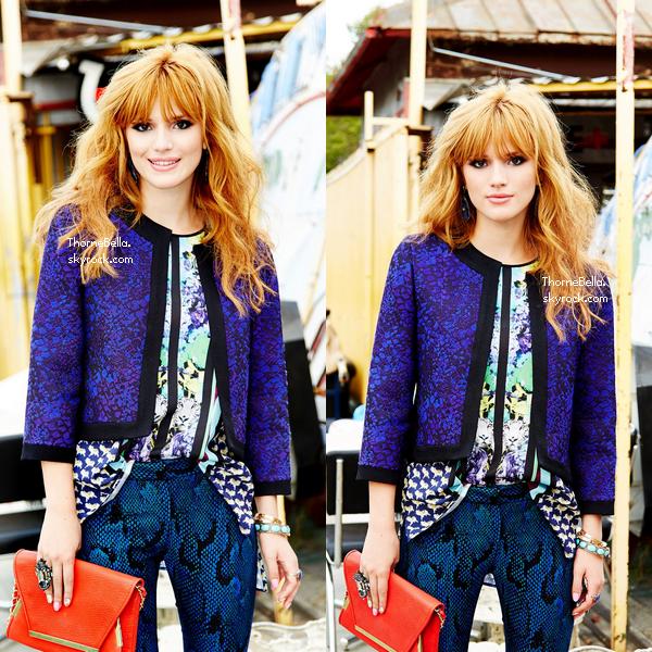 Bella sur un shooting en juillet 2013.